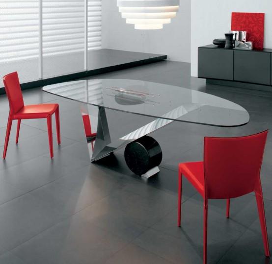Современный стол на кухню из стекла